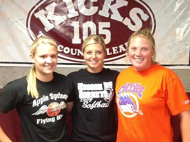 Hudson Softball girls