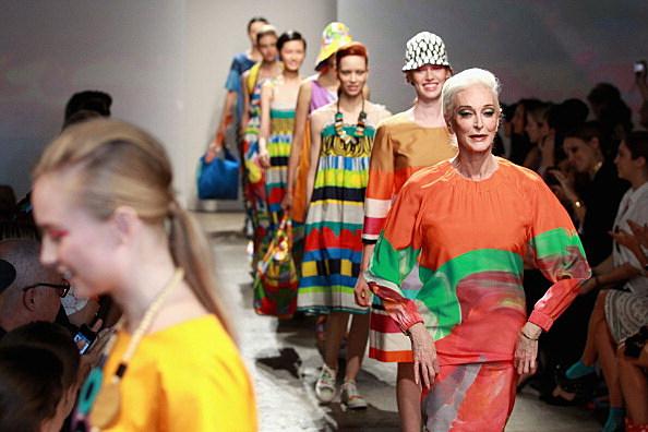 Carmen with fellow fashion models